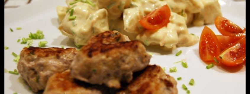 Kartoffelsalat og Frikadeller - forsiden